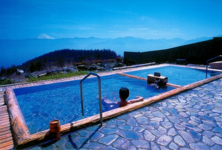 絶景露天風呂!山梨県のほったらかし温泉へ感動の日の出を拝みに行こう